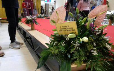 Decoración floral en el CC Tormes